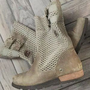 Sorel Major Carly Perforated Boots